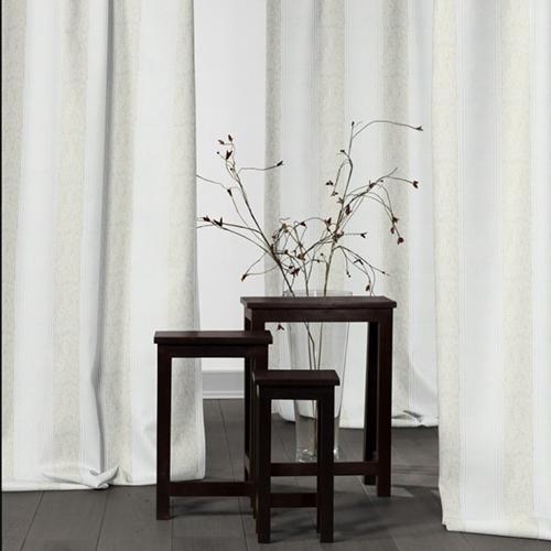 Tissus rideaux et stores blancs